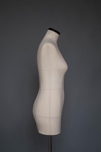 Мягкий портновский манекен 46 размера, вид сбоку